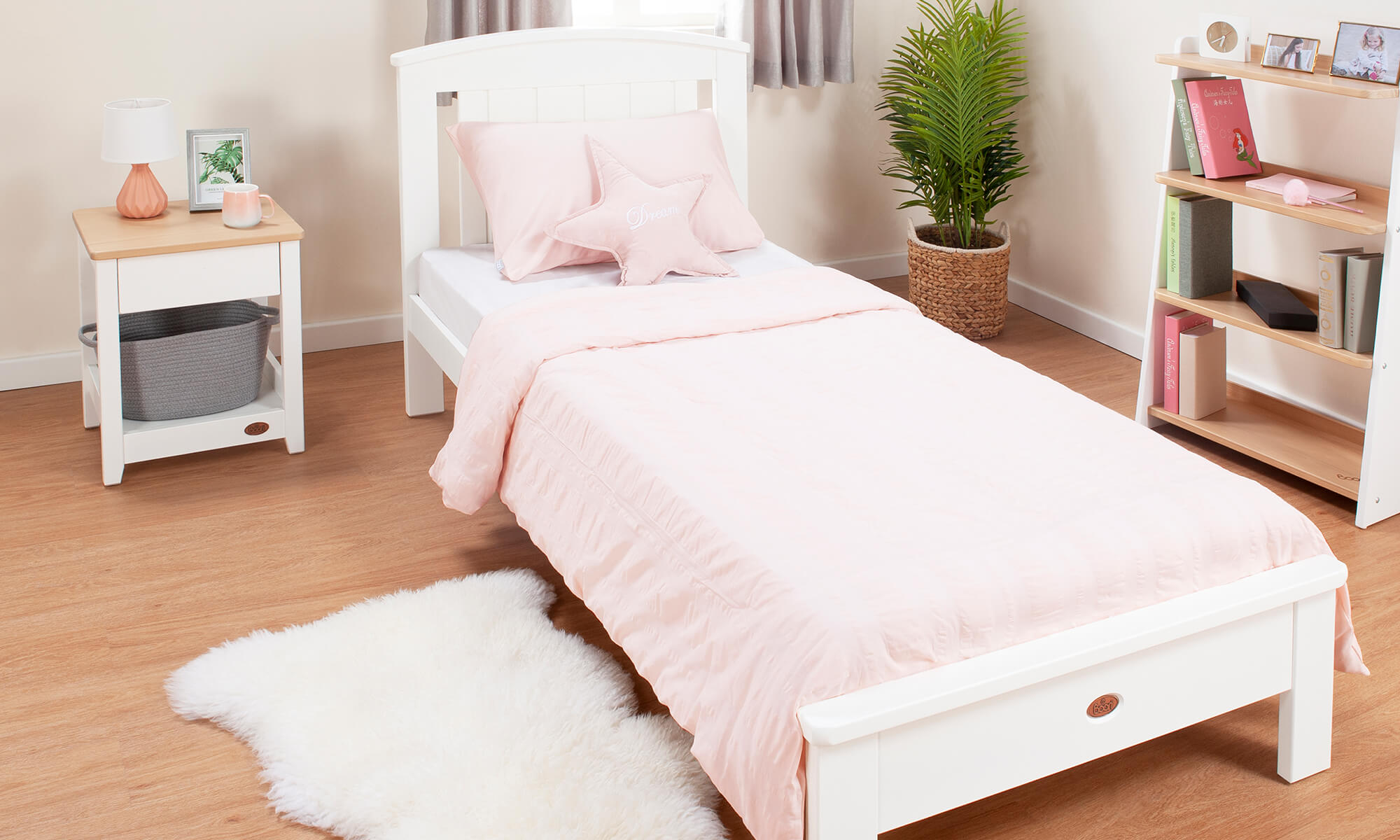 Product_Page_Lifestyles_1000_x_600_Casa_Single_Bed_White__2x