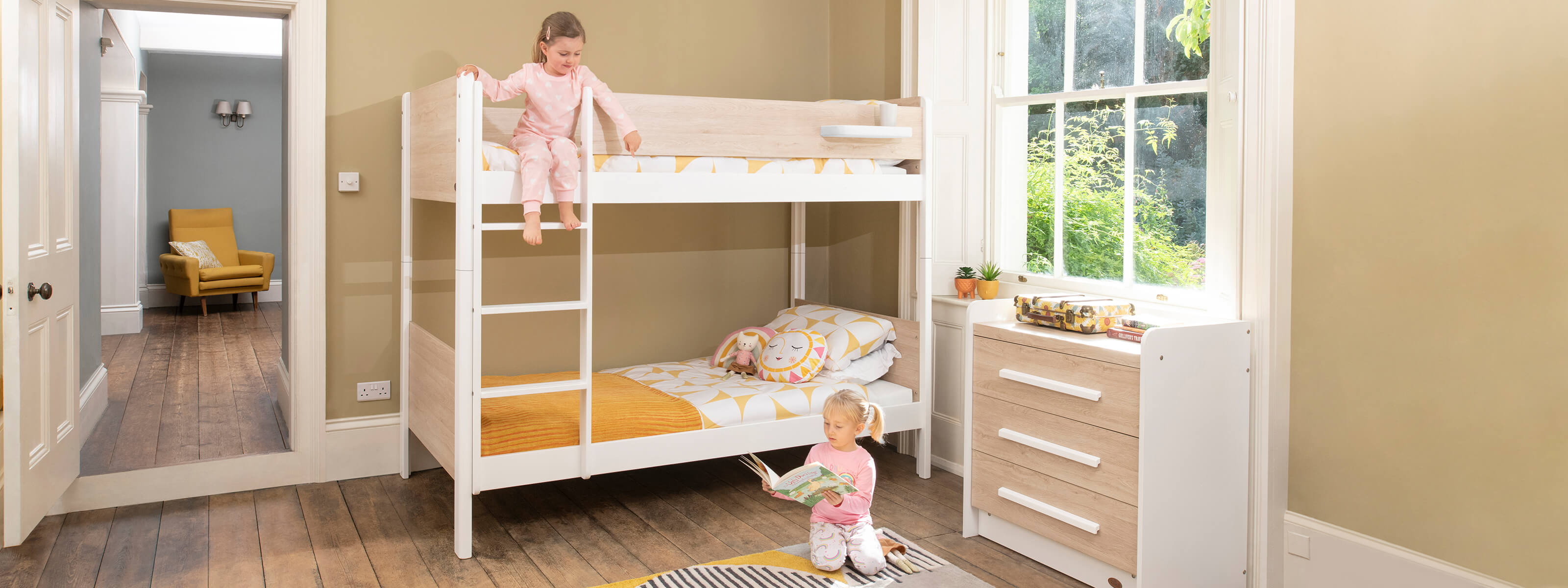 Product_Page_Lifestyles_1600_x_600_Natty_King_Single_Bunk_Bed_BAOA_FORWEB__2x