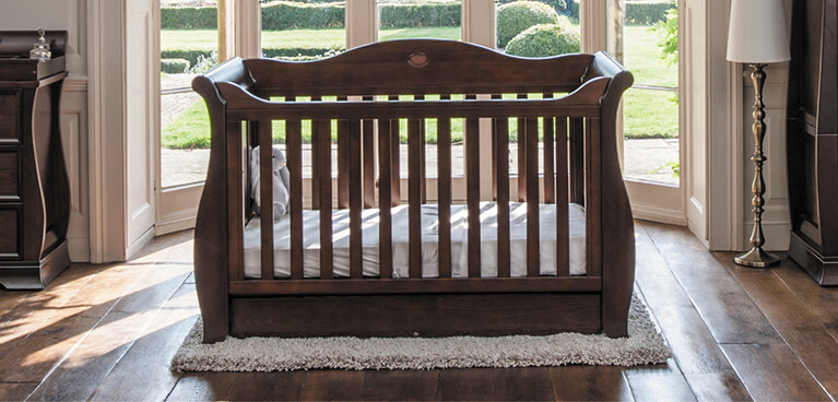 Web_Lifestyle_Images_MOBILE__767_x_368_Sleigh_Royale_Cot_Bed_Coffee_
