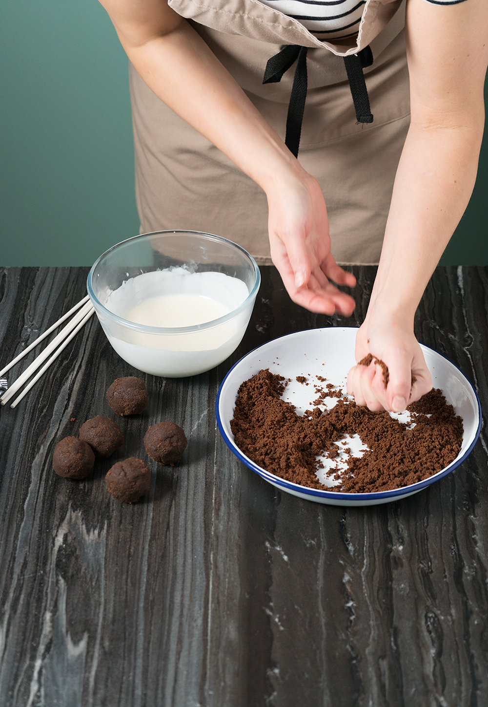 how to make chocolate cake pops